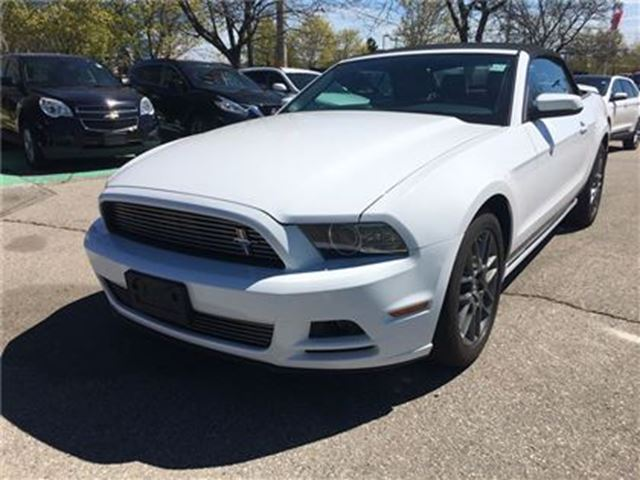 used 2014 ford mustang v6 premium mustang club of america pkg mississauga. Black Bedroom Furniture Sets. Home Design Ideas