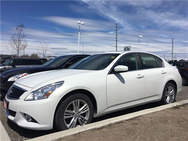 2013 INFINITI G37 x LUXURY PKG. AWD LEATHER, SUNROOF, HEATED SEATS in Barrie, Ontario