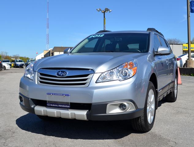 2012 SUBARU OUTBACK 2.5i w/Limited & Nav Pkg in St Catharines, Ontario