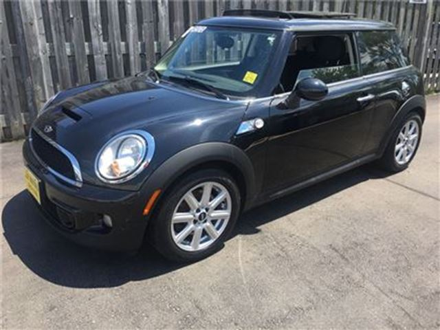 2013 MINI COOPER Base, Heated Seats, Power Panoramic Sunroof in Burlington, Ontario