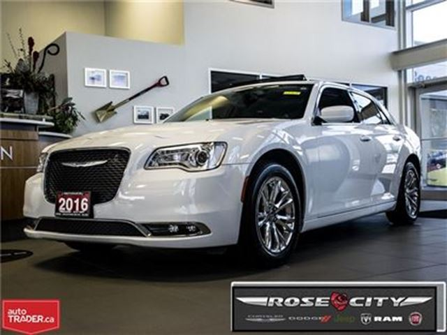 2016 Chrysler 300 Touring~Leather~GPS~Roof~Rear Camera in Welland, Ontario