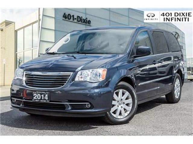 2014 Chrysler Town and Country Touring Pkg! Rear Cam & Power Sliding Doors! in Mississauga, Ontario