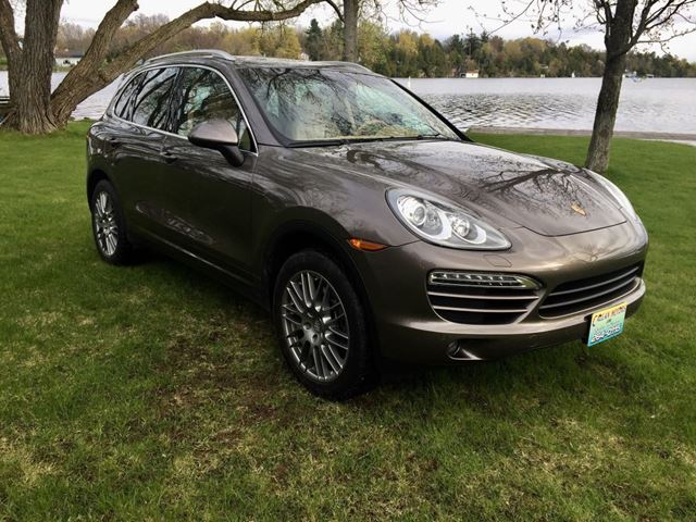 2012 Porsche Cayenne AWD Only 79000 km in Perth, Ontario