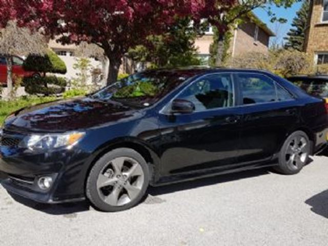 2014 Toyota Camry SE w/Navigation, Extended Warranty & Winter Tires in Mississauga, Ontario