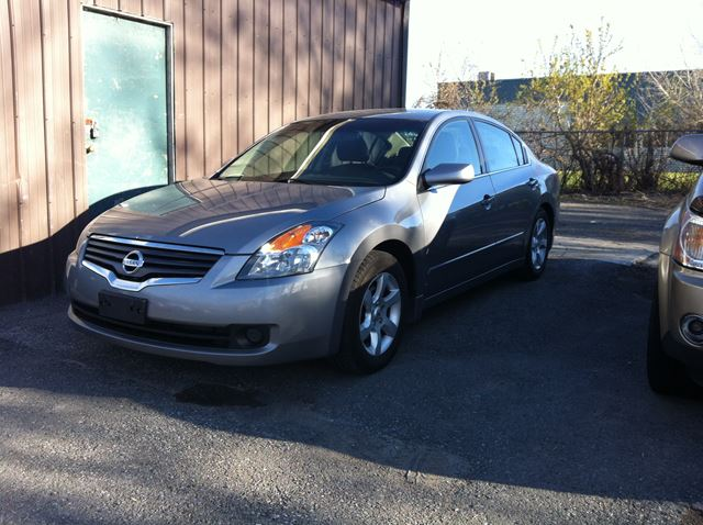 2009 Nissan Altima 2.5 S auto  loaded leather roof in Ottawa, Ontario
