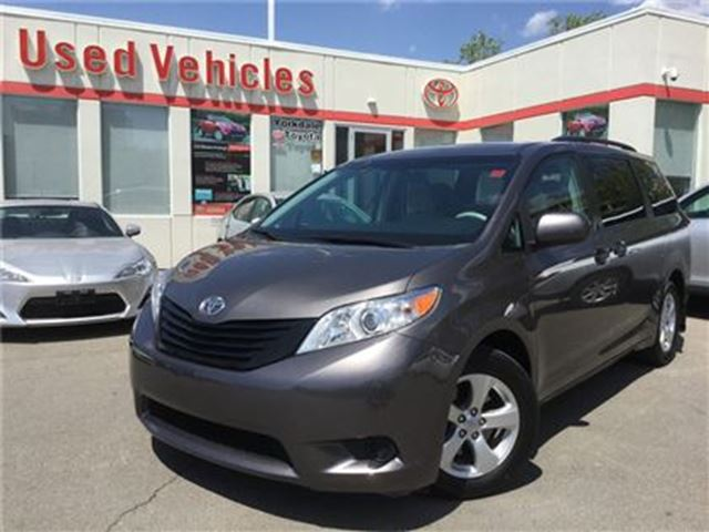2014 Toyota Sienna 7 PASSENGER, FWD, 3 ZONE CLIMATE CONTROL in Toronto, Ontario