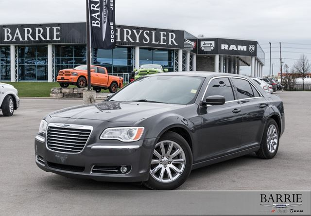 2013 CHRYSLER 300 ***LEATHER***NAVIGATION*** in Barrie, Ontario