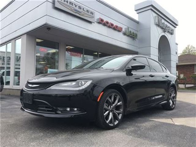 2015 CHRYSLER 200 S,ALLOYS,LEATHER,PANOROOF, in Niagara Falls, Ontario