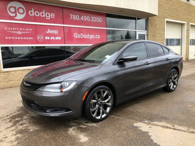 2016 chrysler 200 s panoramic sunroof heated front. Black Bedroom Furniture Sets. Home Design Ideas