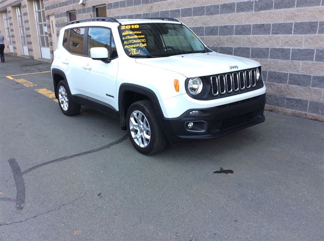 2016 JEEP RENEGADE LATTITUDE/HTD SEATS/4X4 in Dartmouth, Nova Scotia