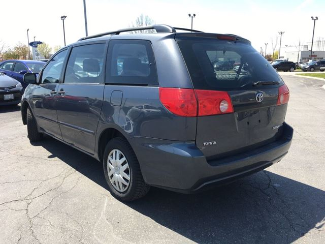 2008 toyota sienna brampton ontario car for sale 2777124. Black Bedroom Furniture Sets. Home Design Ideas