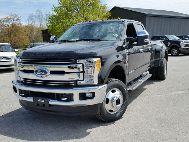 2017 Ford F-350  Lariat in Port Perry, Ontario