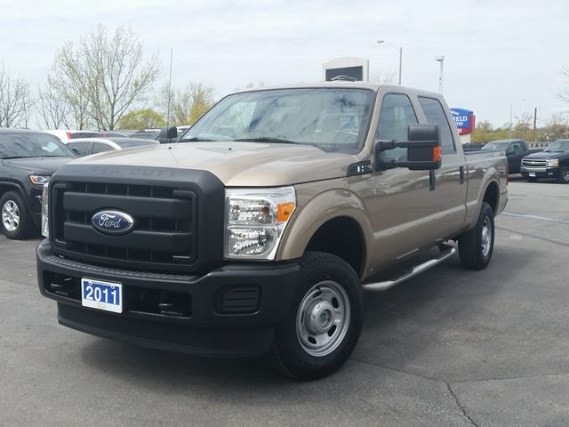 2011 FORD F-250 XLT-SUPERCREW--4X4 in Belleville, Ontario