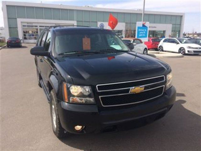 2014 chevrolet suburban 1500 lt calgary alberta car for sale 2778193. Black Bedroom Furniture Sets. Home Design Ideas