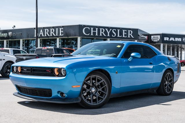 2016 Dodge Challenger R/T Scat Pack 6.4LTV8 ***RARE STICK*** in Barrie, Ontario