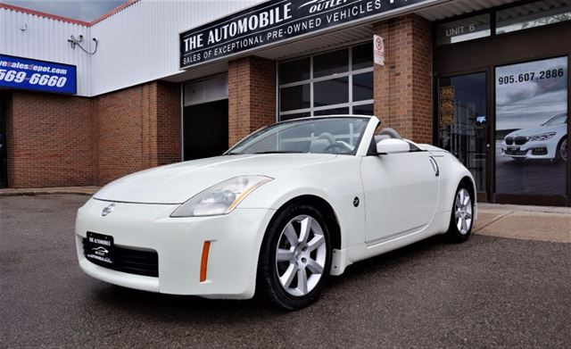 2004 Nissan 350Z CONVERTIBLE NO ACCIDENT in Mississauga, Ontario