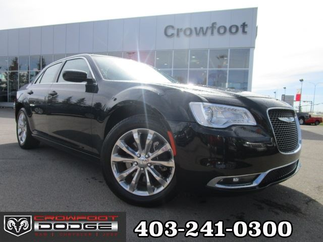 2016 CHRYSLER 300 LIMITED FULLY LOADED!! AWD in Calgary, Alberta