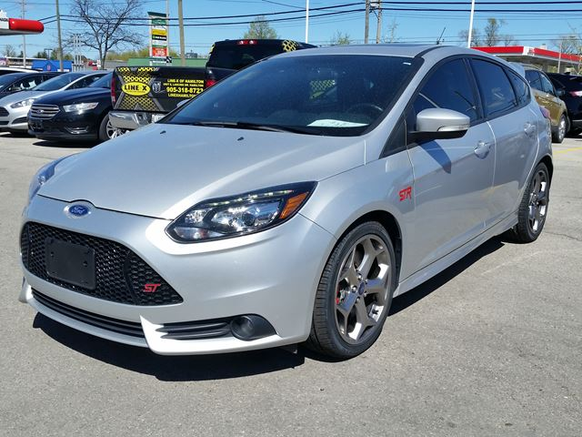 2014 ford focus st silver for 20995 in hamilton. Black Bedroom Furniture Sets. Home Design Ideas