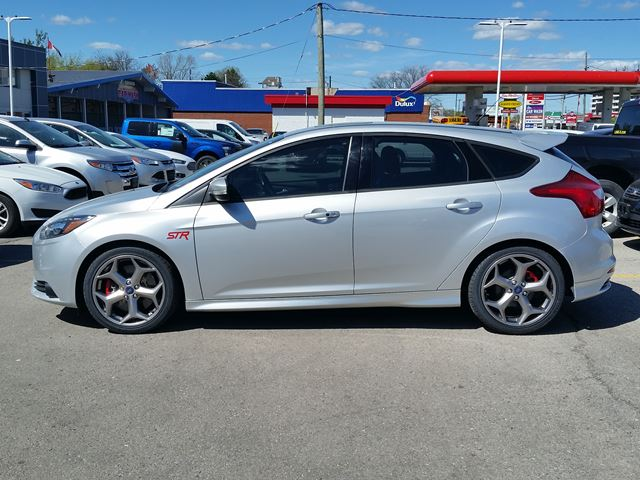 2014 ford focus st hamilton ontario car for sale 2779581. Black Bedroom Furniture Sets. Home Design Ideas