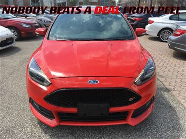 2015 Ford Focus Base **NEW ARRIVAL**LEATHER**LOADED** in Mississauga, Ontario