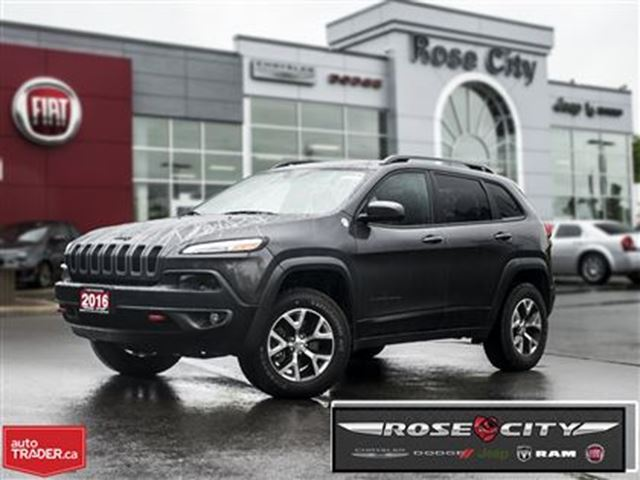 2016 JEEP CHEROKEE Trailhawk~Leather~Panoramic Sunroof~Back-up Cam in Welland, Ontario