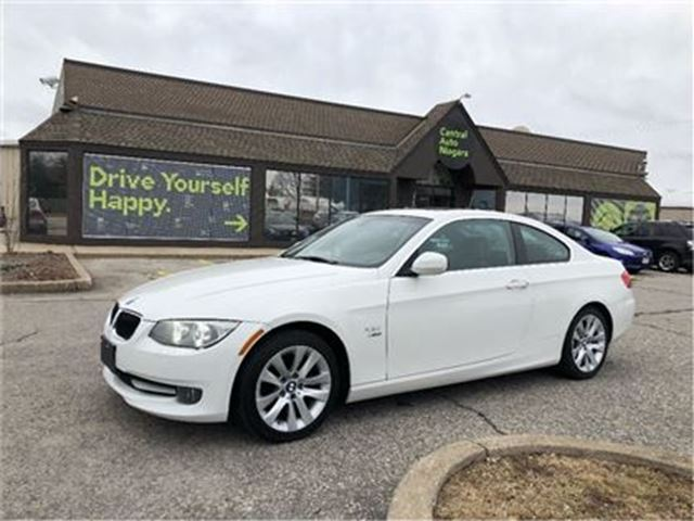 2013 BMW 3 SERIES 328i xDrive/CARPROOF CLEAN/HEATED SEATS/SUNROOF in Fonthill, Ontario