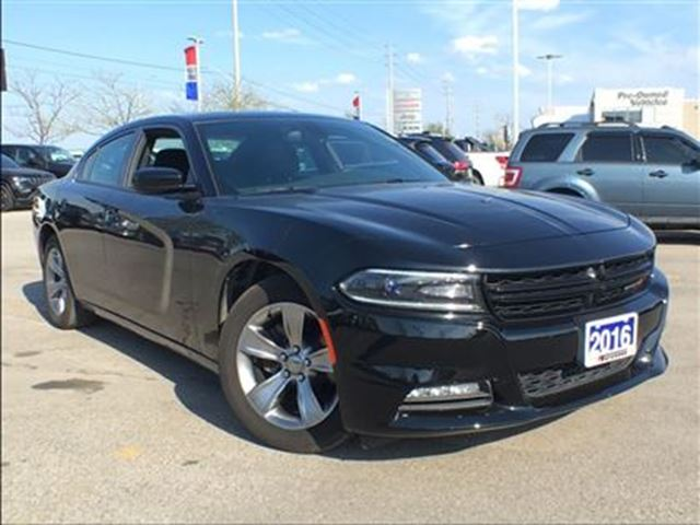 2016 Dodge Charger SXT**POWER SUNROOF**HEATED SEATS** in Mississauga, Ontario