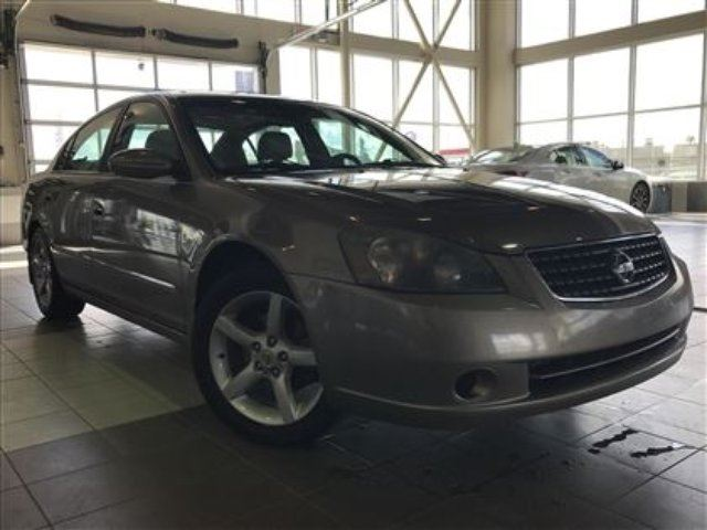 2005 NISSAN ALTIMA 3.5 Moonroof Leather Low KM in Red Deer, Alberta