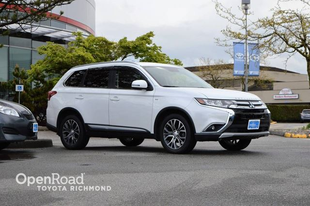 2016 MITSUBISHI OUTLANDER Navi, Leather Interior w/Woodgrain Trim, Power  in Richmond, British Columbia