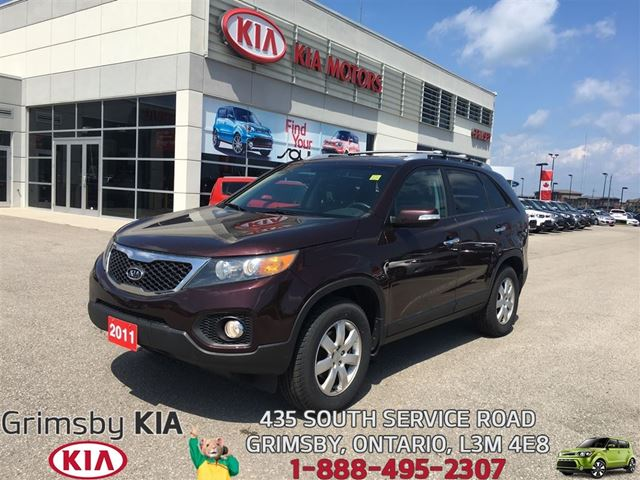 2011 KIA Sorento LX...READY FOR THOSE LONG SUMMER DRIVES!!! in Grimsby, Ontario