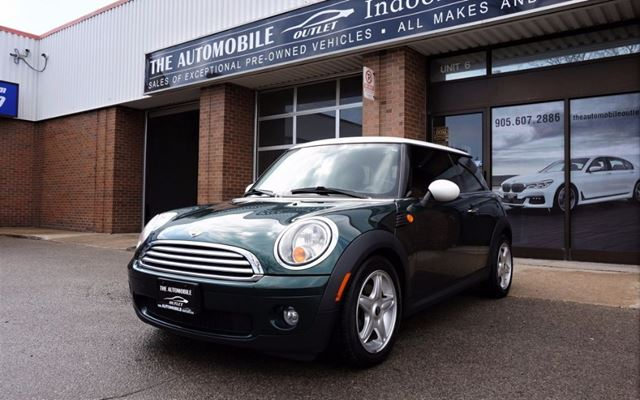 2009 MINI COOPER PANO ROOF BLUETOOTH LEATHER in Mississauga, Ontario