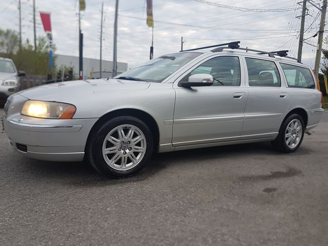 2007 VOLVO V70 LEATHER, SUNROOF, ONLY 136 KMS in Ottawa, Ontario