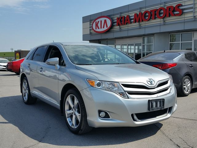 2015 Toyota Venza LE AWD V6 in Newmarket, Ontario
