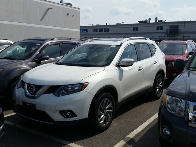 2014 Nissan Rogue SL in Mississauga, Ontario