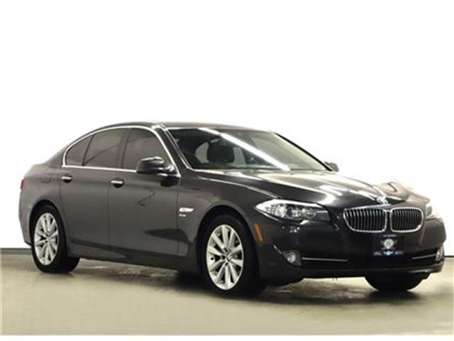 2011 BMW 5 SERIES XDRIVE NAVIGATION LEATHER SUNROOF in Toronto, Ontario