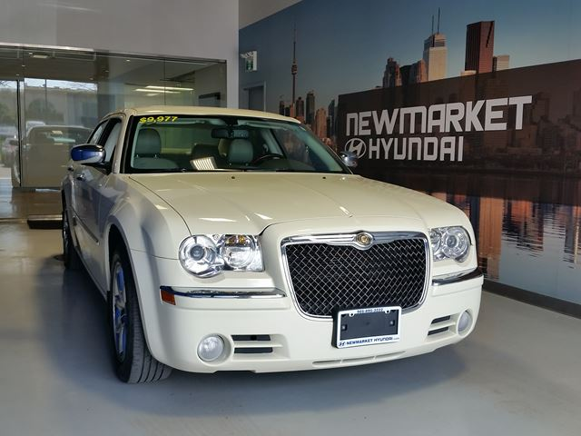 2009 Chrysler 300 Limited All-In Pricing $146 b/w +HST in Newmarket, Ontario