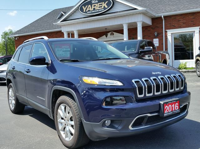 2016 Jeep Cherokee Limited 4WD, Leather Heated Seats, Bluetooth, Remote Start, NAV, Pano Roof in Paris, Ontario