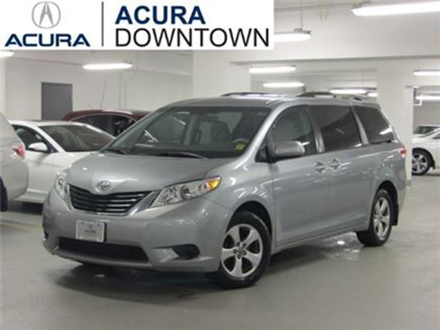 2013 Toyota Sienna LE/No Accident/Air/Roof Rails/ in Toronto, Ontario