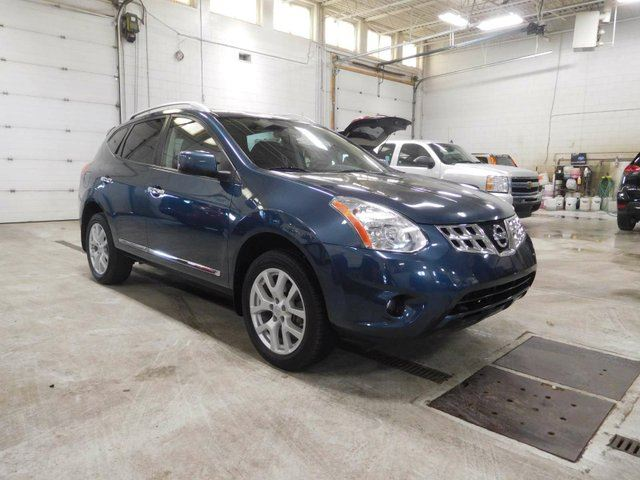 2013 Nissan Rogue SV AWD TECHNOLOGY PACKAGE in Calgary, Alberta