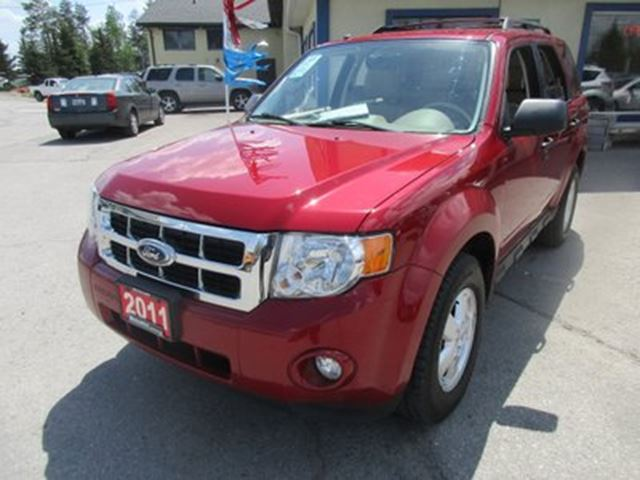 2011 Ford Escape LOADED XLT MODEL 5 PASSENGER 2.5L - DOHC.. LEAT in Bradford, Ontario