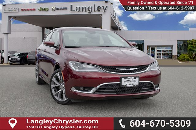 2016 CHRYSLER 200 C W/ LEATHER UPHOLSTERY, PANORAMIC SUNROOF & NAVIGATION in Surrey, British Columbia