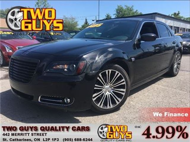 2013 CHRYSLER 300 S   LEATHER   NAV   PANOROOF  20 INCH RIMS in St Catharines, Ontario