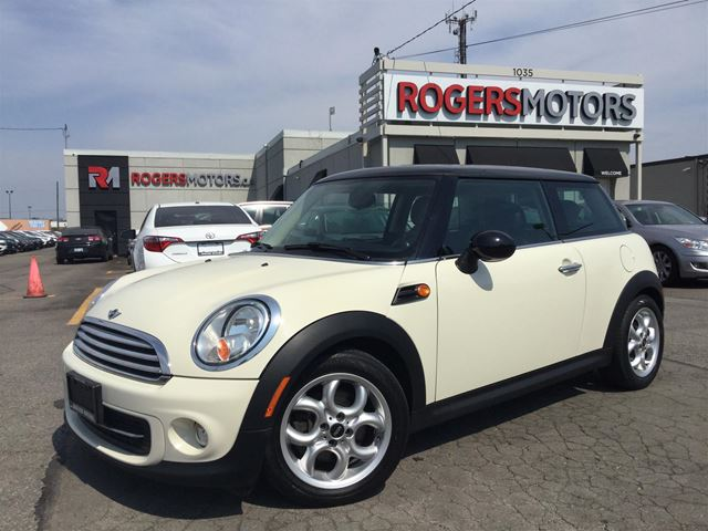 2013 MINI COOPER - LEATHER - PANORAMIC ROOF in Oakville, Ontario