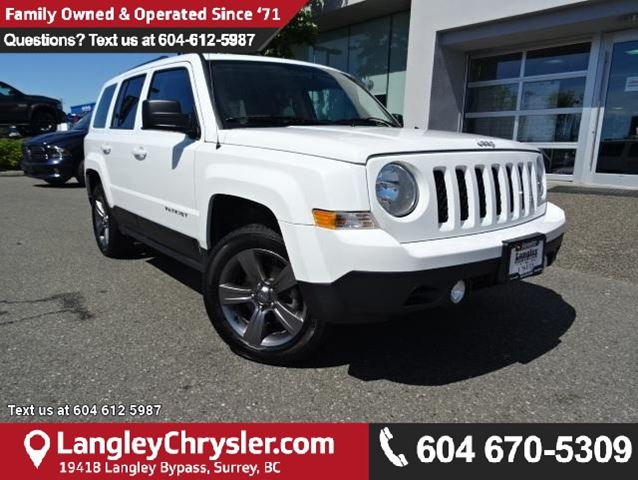 2015 JEEP PATRIOT Sport/North ACCIDENT FREE w/ 4X4, LEATHER UPHOLSTERY & SUNROOF in Surrey, British Columbia