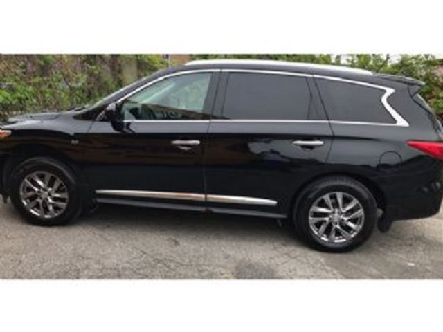 2014 INFINITI QX60 AWD 7 Passenger w/ Rear Entertainment System !! in Mississauga, Ontario
