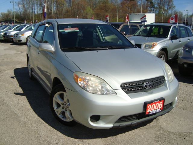 2006 Toyota Matrix XR Only 106km Accident Free Gas Saver in Cambridge, Ontario