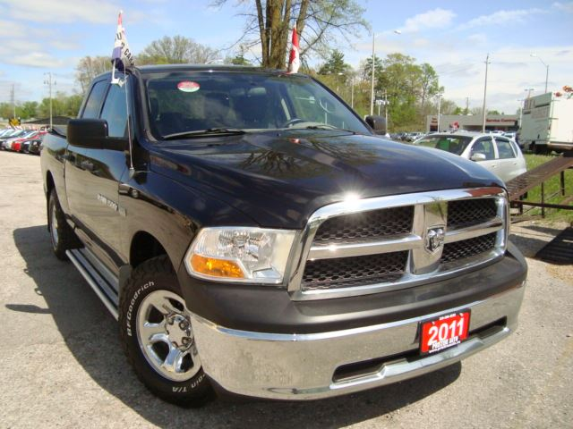 2011 Dodge RAM 1500 SLT 5.7L Hemi 4X4 Quad Cab Hemi Accident Free in Cambridge, Ontario