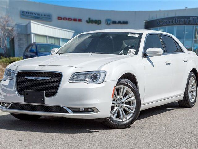 2016 Chrysler 300 Touring in Mississauga, Ontario