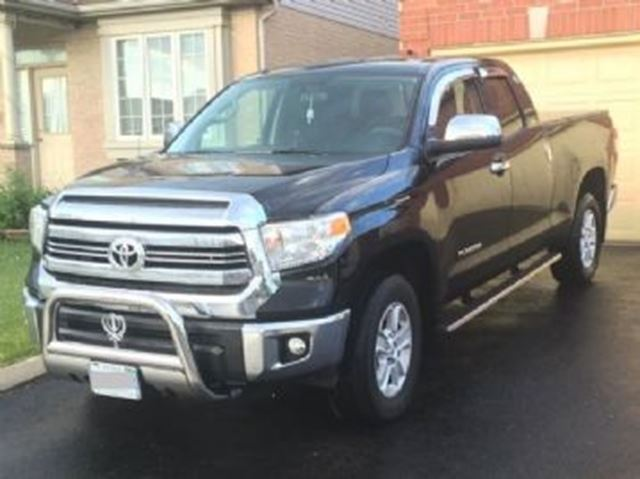 2016 Toyota Tundra 4WD Double Cab 4.6L w/SR5 Plus Package in Mississauga, Ontario