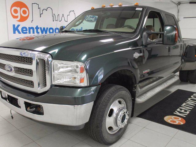 2005 Ford F-350 KING RANCH F-350 6.0L V8 TURBO DIESEL!!! REAL COWHIDE LEATHER! in Edmonton, Alberta